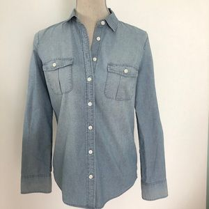 JCrew Perfect fit Classic chambray button shirt